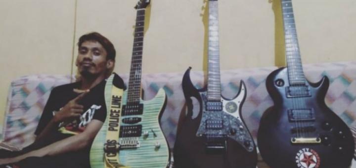 musisi menjual gitarnya karena pandemi