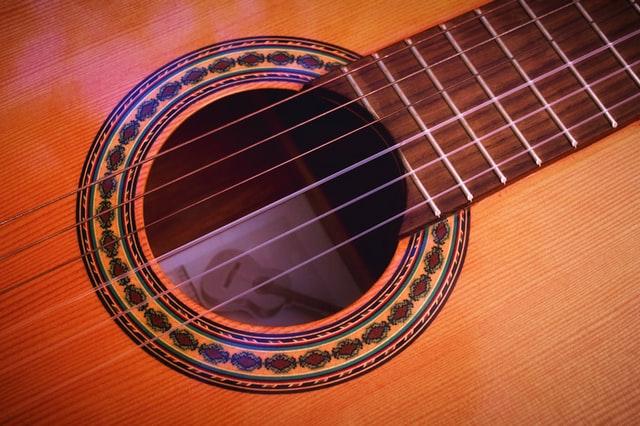 senar gitar nylon
