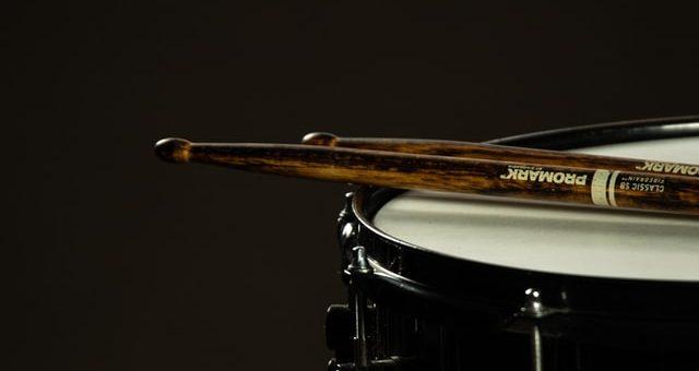 alat musik ritmis drum